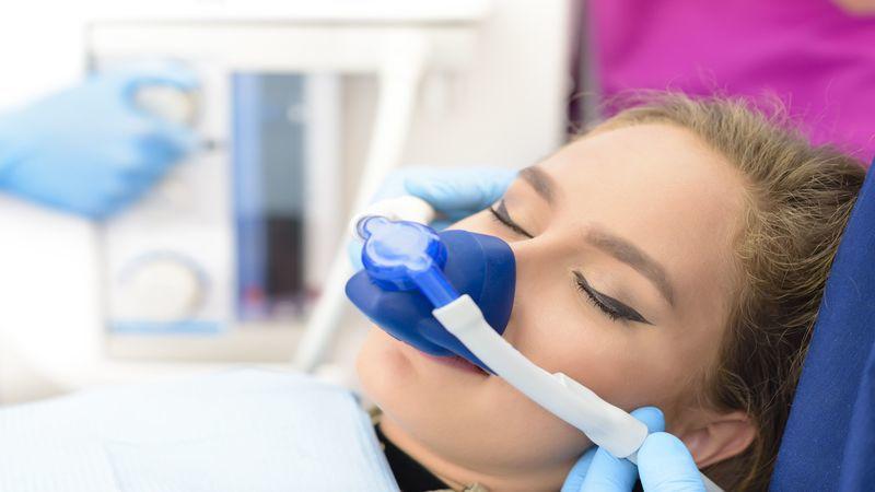 Sedazione Cosciente In Odontoiatria Per Il Controllo Del Dolore