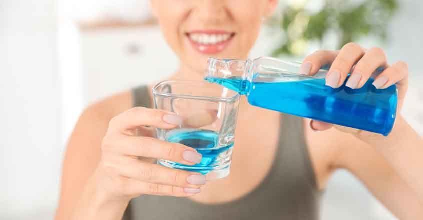 uso del colluttorio con clorexidina per cura gengivite ulcero necrotizzante